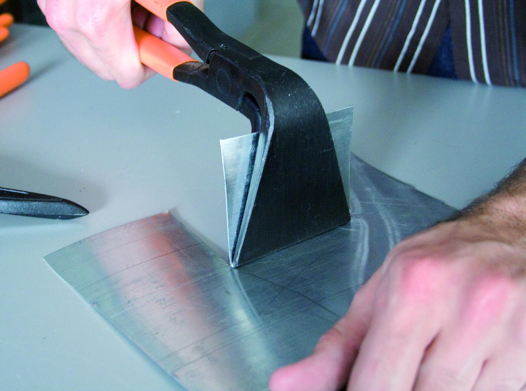 pince border coud e 90 80 mm edma par freund krenobat outillage distribution. Black Bedroom Furniture Sets. Home Design Ideas