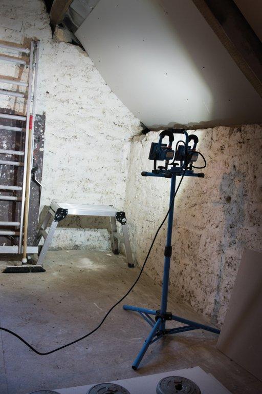 lampe de chantier led sur tr pied 10 w silverline krenobat. Black Bedroom Furniture Sets. Home Design Ideas
